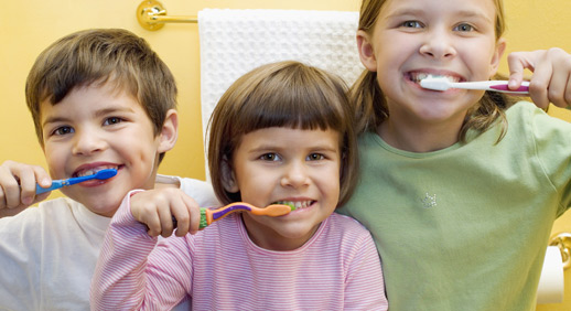 kids-brushing-teeth1